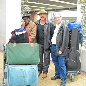 Honeyboy, Les & Michael at Venice airport Oct 2009
